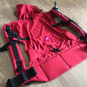 Mochila UV Shield - Red Velvet
