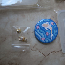 Load image into Gallery viewer, June 2020 Kit: UV Resin Accessoiries - Craft Kitsune
