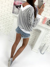 Load image into Gallery viewer, Round Neck  Patchwork  Striped Long Sleeve T-Shirts