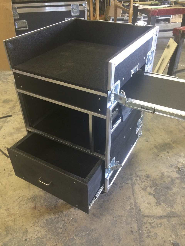 Mixer/Rack case - Brady Cases - 30