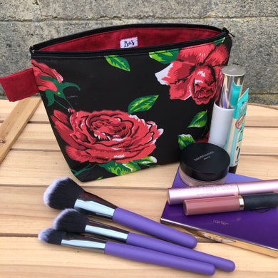 Las Rosas Makeup bag- Black w/Red Roses