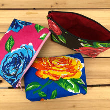 Load image into Gallery viewer, Las Rosas coin purse