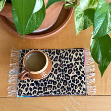 Load image into Gallery viewer, Mug Rug Sarape Reversible Tapetito - Cheetah/Leopard Heart - Burgandy