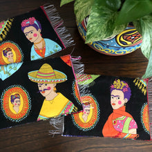 Load image into Gallery viewer, Mug Rug Sarape Reversible Tapetito - Frida Inspired / Black & Green