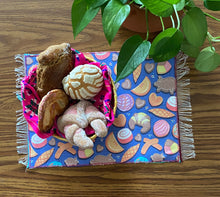 Load image into Gallery viewer, Placemat Sarape Reversible Tapete- Pan Dulce