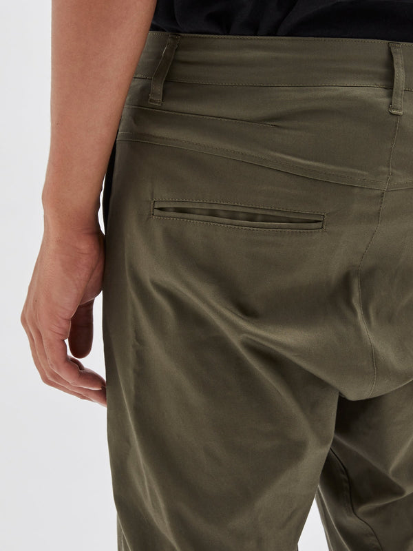 bassike helix pant in dark military