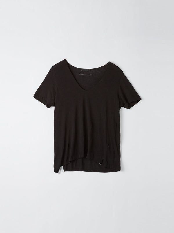 bassike minimal v neck t.shirt in black