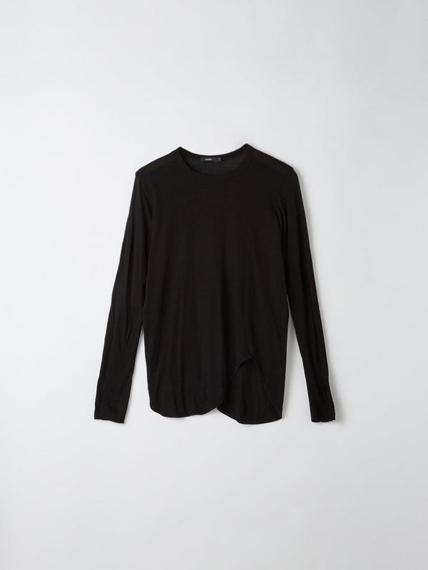 bassike heritage scoop hem long sleeve t.shirt in black