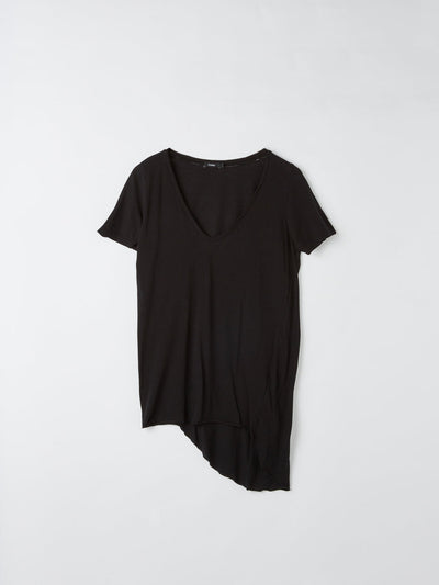 scoop v neck t.shirt with tail