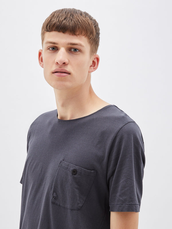 bassike original button pocket t.shirt in washed navy