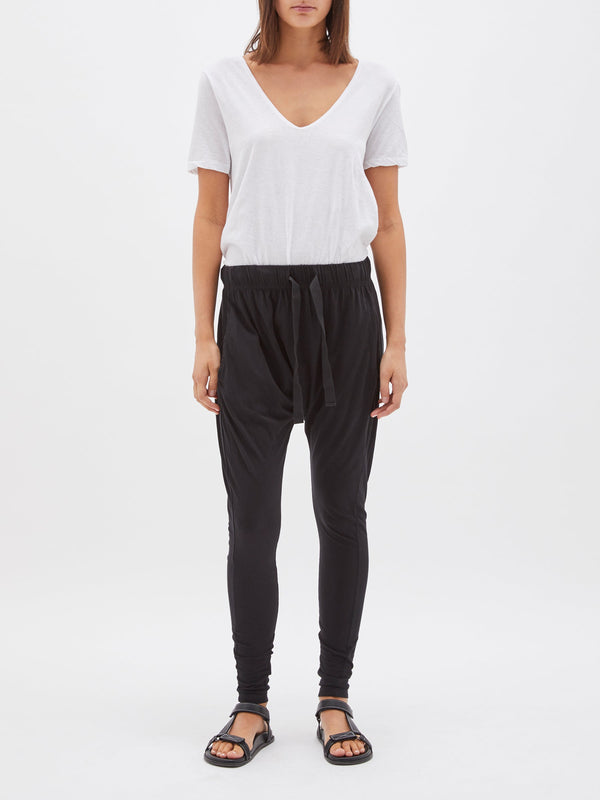 bassike slouch jersey pant lll in black