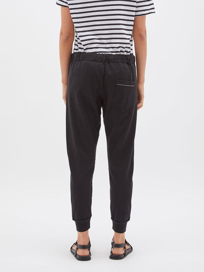 classic slim tapered trackpant