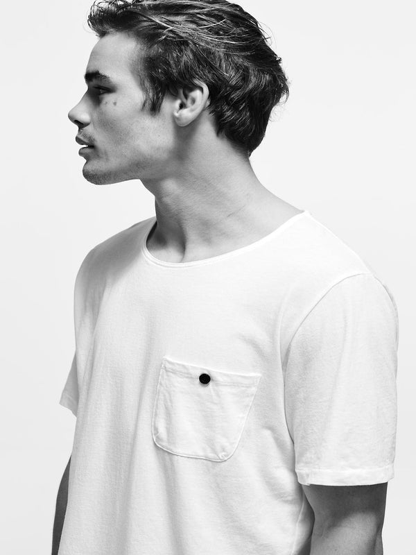 bassike original button pocket t.shirt in white