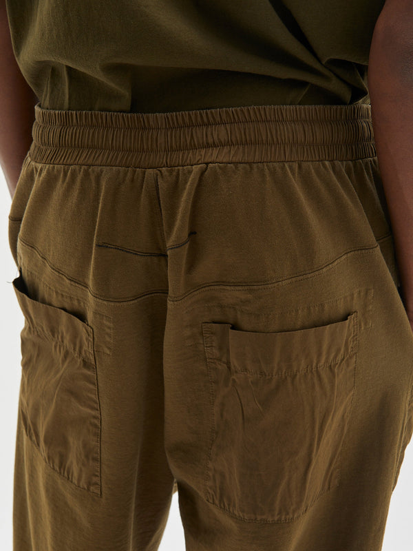 utility jersey pant in dark army