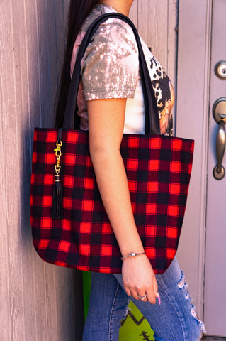 Highlander Daykeeper Tote by Makeup Junkie