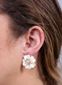 Dainty Daffodils Flower Stud Earrings-Ivory