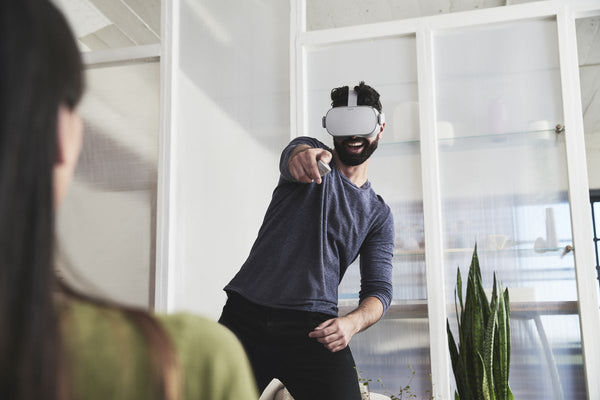 6 Best Tech Gifts To Pick Up While Holiday Shopping - Oculus Go - KEUTEK