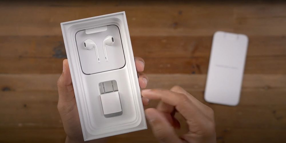 Why Doesn't the iPhone 12 Come With an Adapter?   KEUTEK