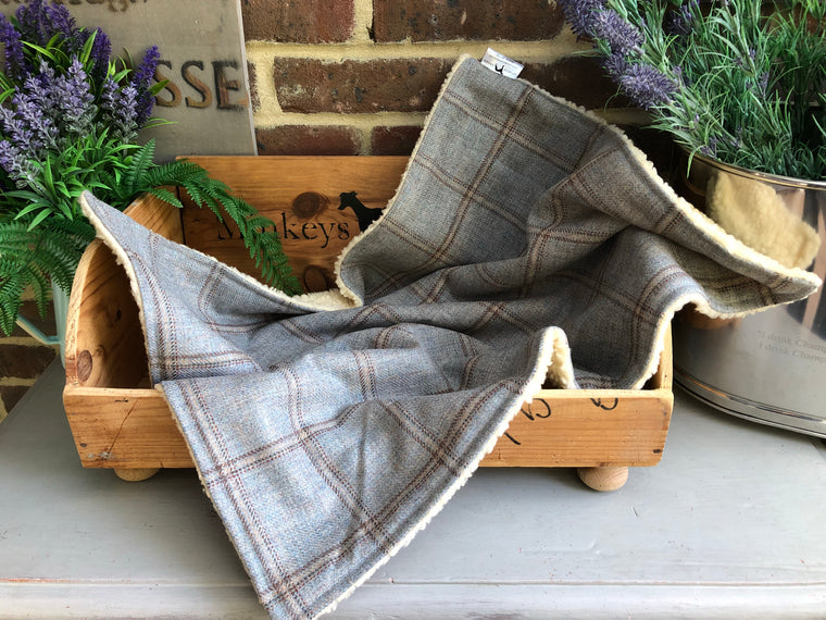Luxury Tweed Blanket In Darcy Check