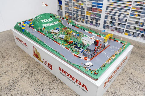 Australia's main racing circuit recreated with 150 000 LEGO parts