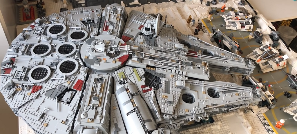 A year of work, 16 thousand Lego parts and a ready-made Star Wars Echo base | LAminifigs