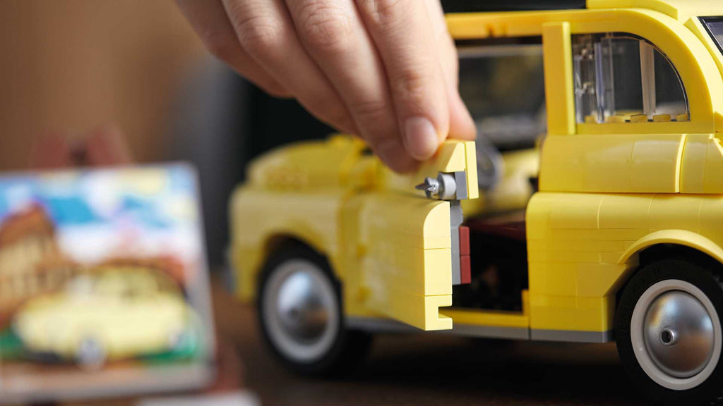 Iconic Fiat 500 finally has its LEGO counterpart | LAMINIFIGS.com