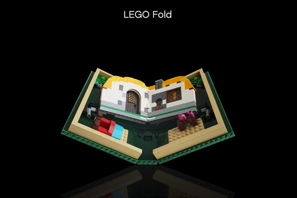 LEGO® made fun of Samsung and Huawei. Presented LEGO® Fold set for $70