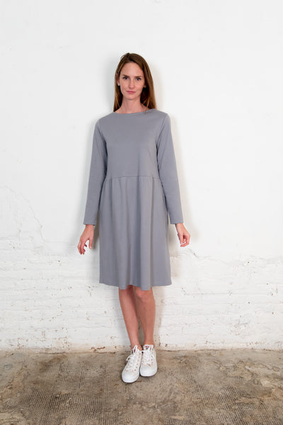 Annor dress gray. Organic woman dress. The Nordic Leaves. Fair trade. Organic cotton. Organic clothing. Sustainable fashion