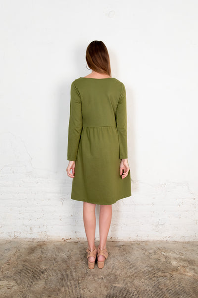 Annor dress olive. Organic woman dress. The Nordic Leaves. Fair trade. Organic cotton. Organic clothing. Sustainable fashion