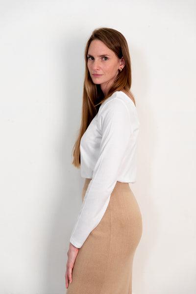 Blucu blouse white. Organic woman blouse. The Nordic Leaves. Fair trade. Organic cotton. Organic clothing. Sustainable fashion
