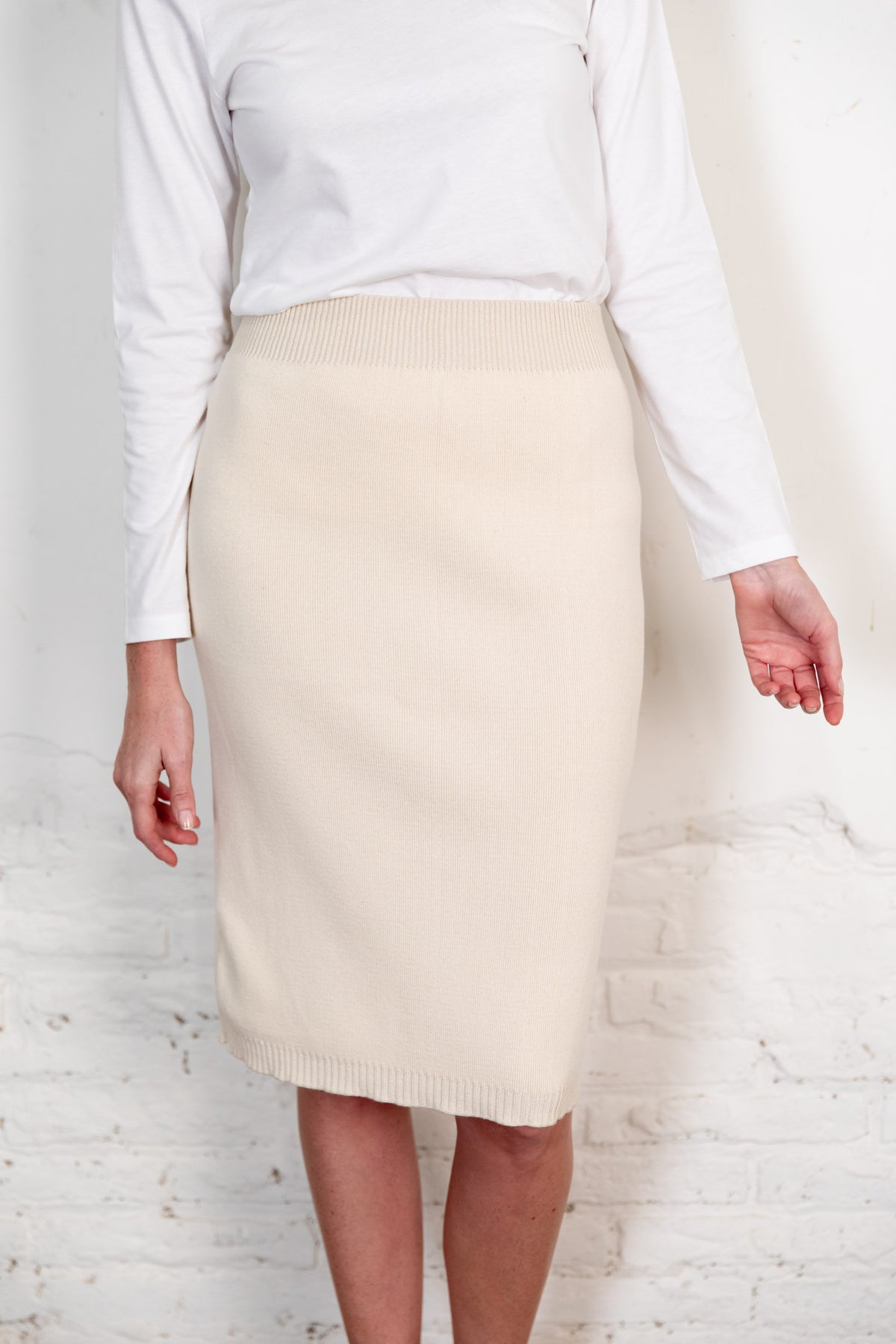 Fapun skirt natural. Organic woman skirt. The Nordic Leaves. Fair trade. Organic cotton. Organic clothing. Sustainable fashion