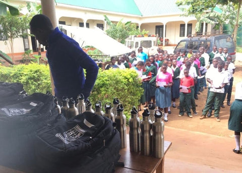 Students at Suubi Secondary College with Jordbarn water bottles