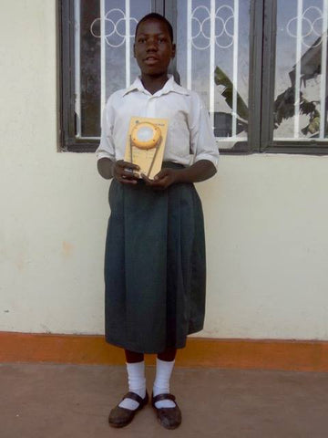 Jordbarn solar lamp donation to schoolgirl