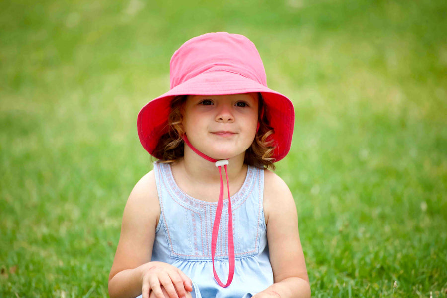 Kids bucket hat - upf 50+ - large magenta - Jordbarn - Earth Child