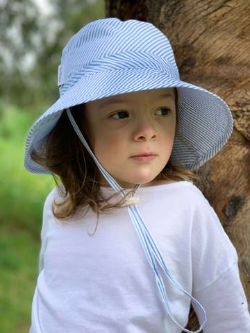 Kids Bucket Hat Blue Striped - Large - Jordbarn