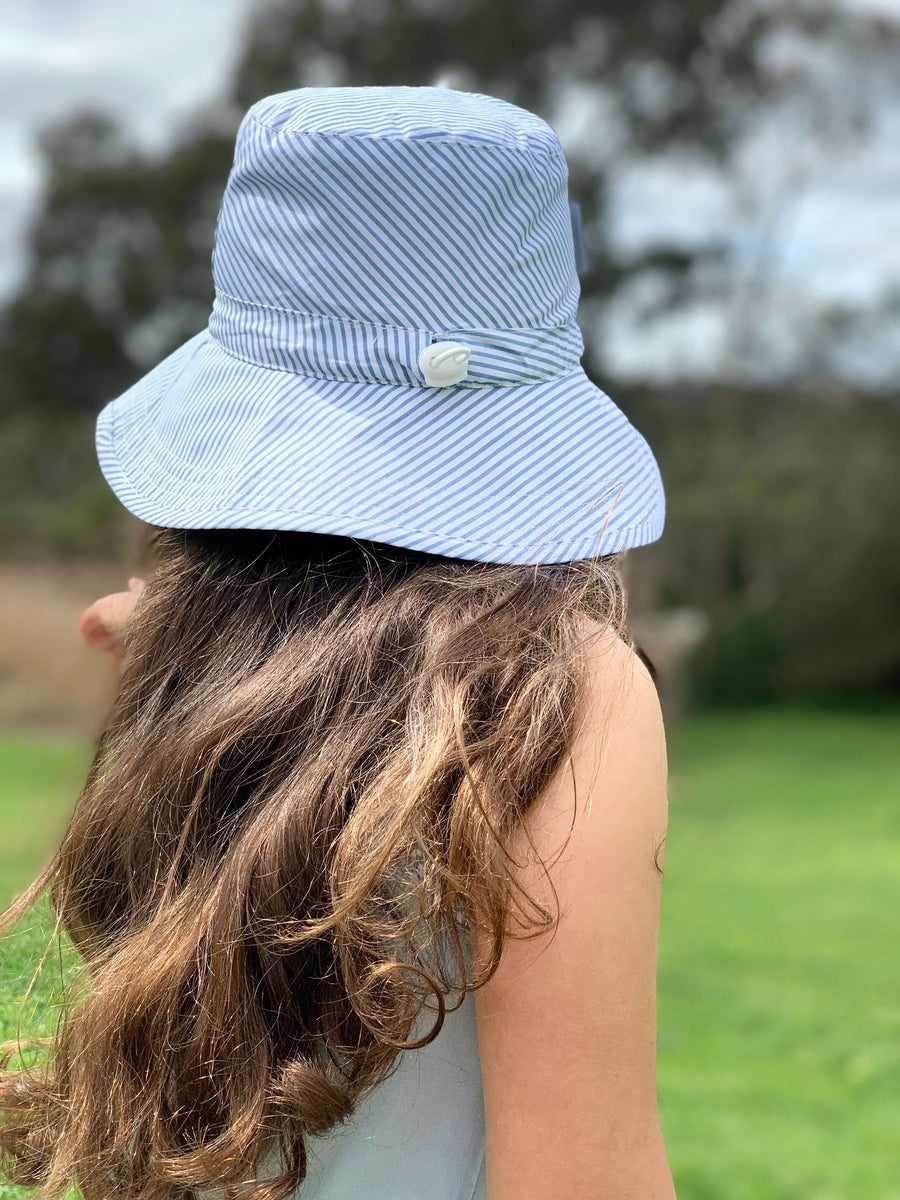Kids Bucket Hat Blue Striped - Medium - Jordbarn