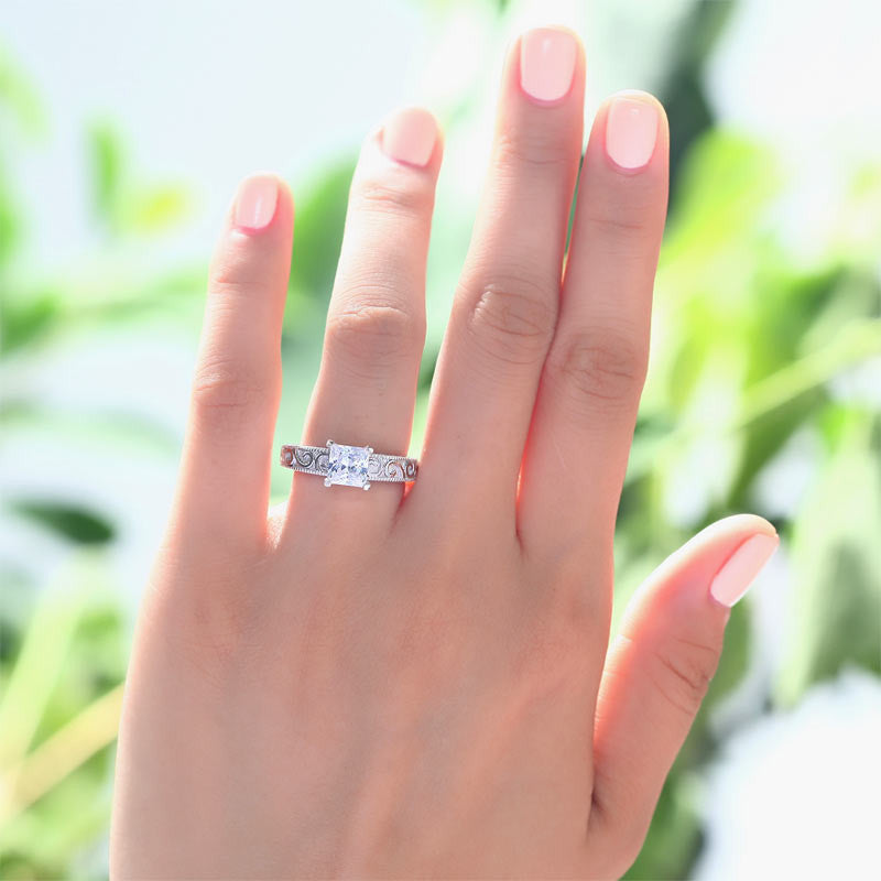 Vintage Style 1 Carat Simulated Diamond 925 Sterling Silver Wedding Engagement Ring