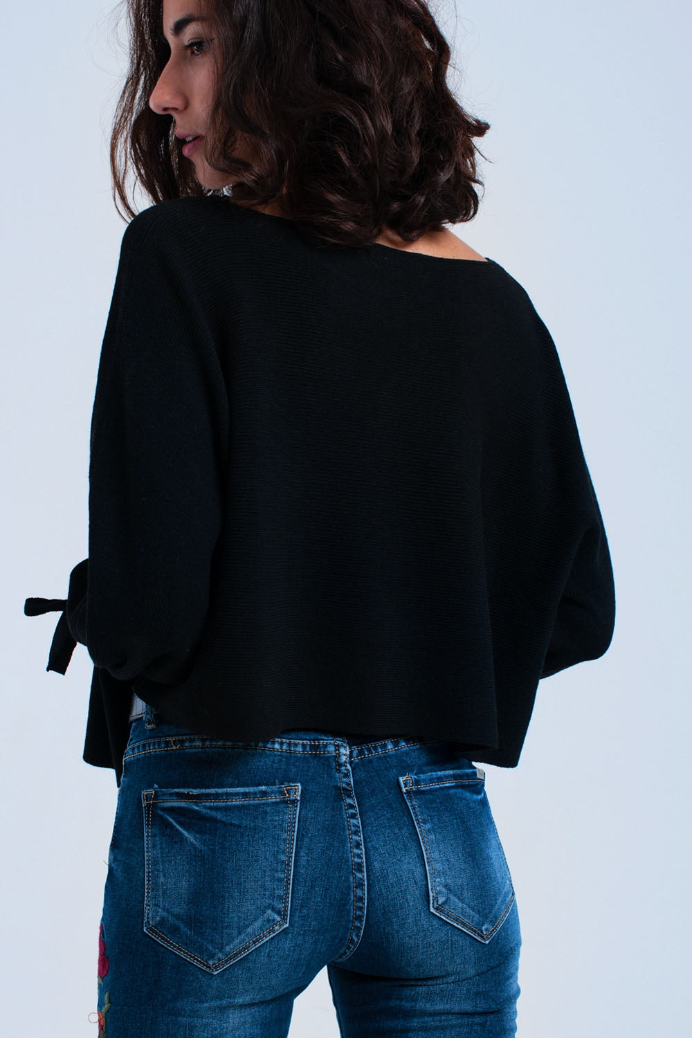 Black crop sweater with ribbons