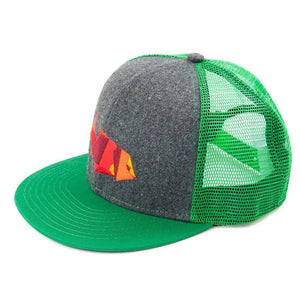 Flat bill mesh baseball cap/hat with logo