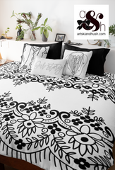 Dual Lace Comforter