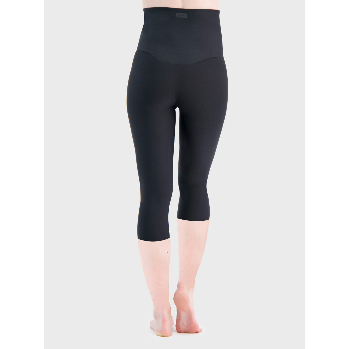 The GLOWE Maternity Legging Capri 19