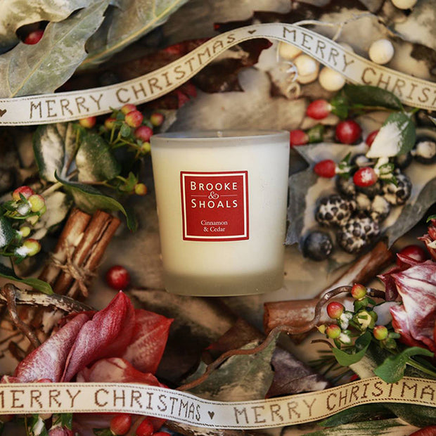 BROOKE & SHOALS SCENTED CANDLE - FROSTED GINGER & WINTER BERRIES