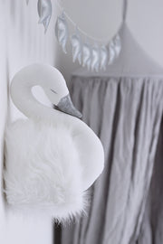 WALL SWAN DECORATION - WHITE