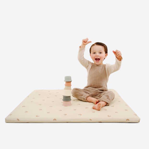 GATHRE PADDED MINI MAT IN MINI RAINBOWS
