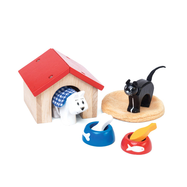 Le Toy Van Wooden Toy Characters - Cat & Dog