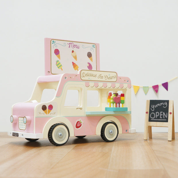 Le Toy Van Dolly Ice Cream Van