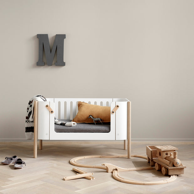 OLIVER FURNITURE WOOD CO-SLEEPER INCL. BENCH CONVERSION, WHITE/OAK