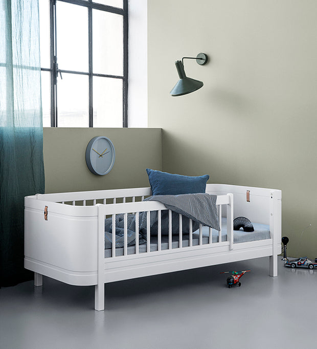 OLIVER FURNITURE WOOD MINI + - WHITE (COT / BED 0-9 YEARS)
