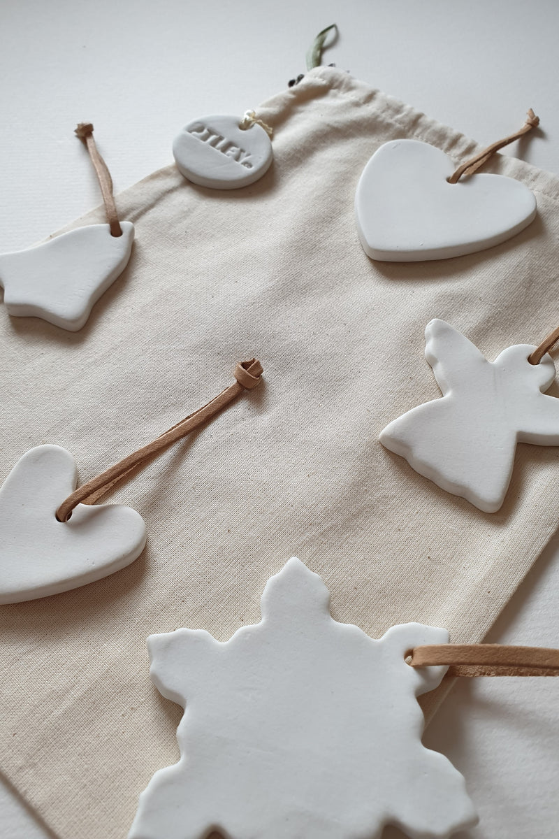 Ceramic Christmas Decoration Set - Traditional