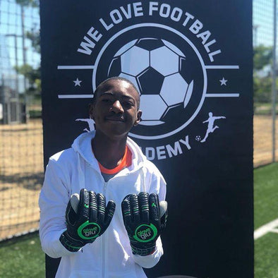 gloveglu & We Love Football Academy